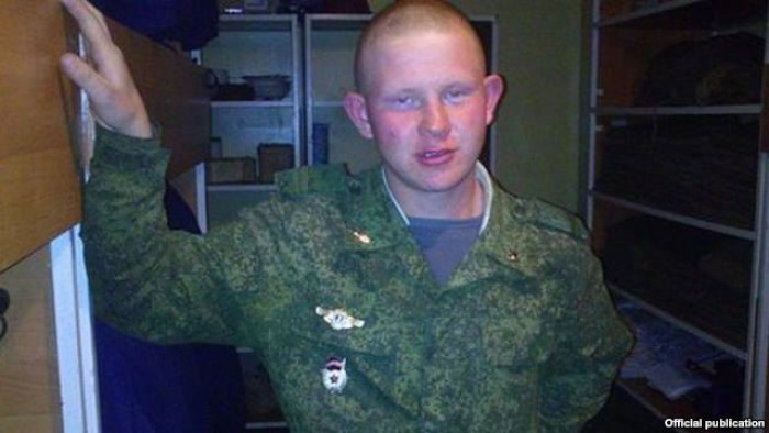 (foto) Și-a recunoscut vina! Un soldat rus a ucis o familie din Armenia