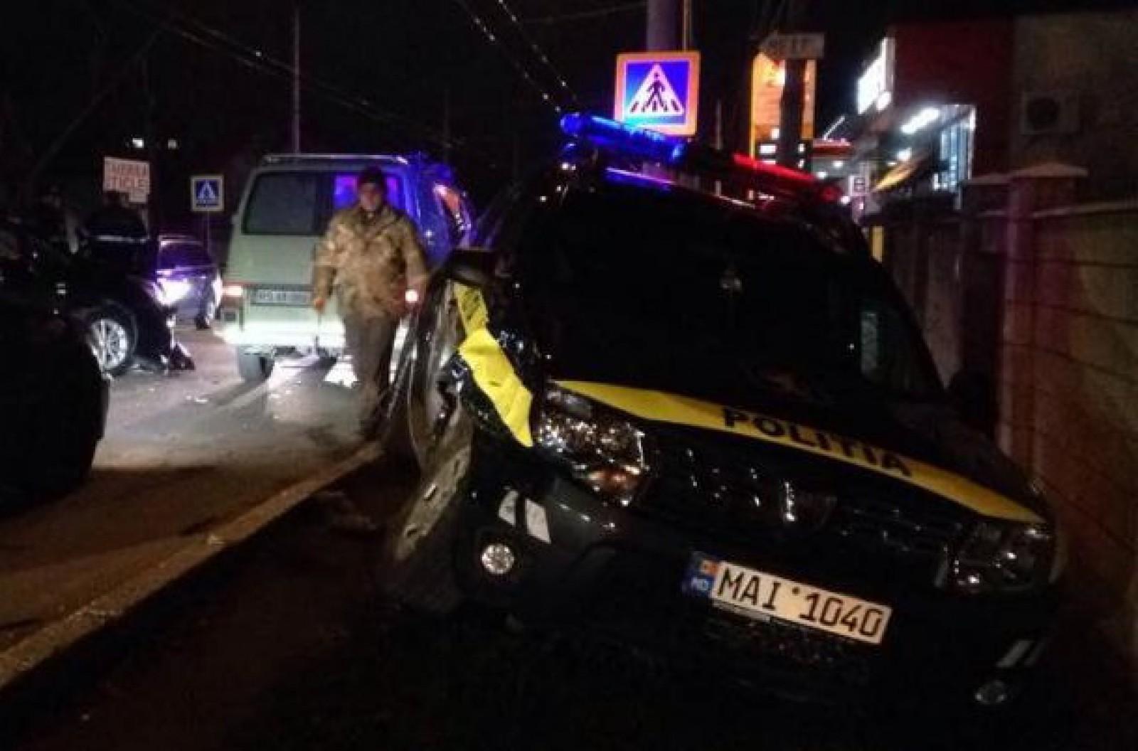 (foto) Accident în capitală cu implicare unei mașini a poliției: Cine se face vinovat