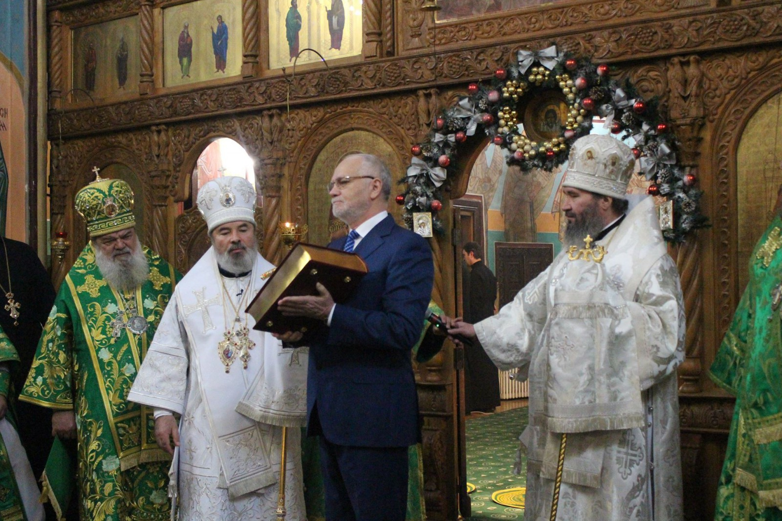 (foto) Ambasadorul Federației Ruse, prezent la ceremonia religioasă organizată în numele patronului ceresc al Episcopului Marchel