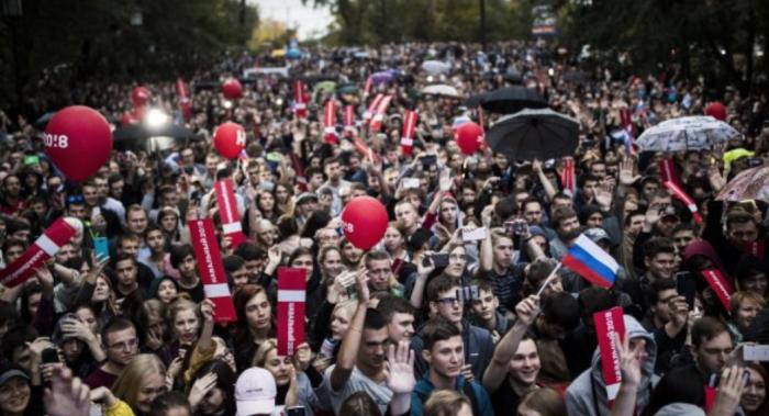 (foto/update) Au loc proteste prin toată Rusia, în sprijinul politicianului arestat, Alexei Navalinîi. Peste 100 de oameni au fost reținuți