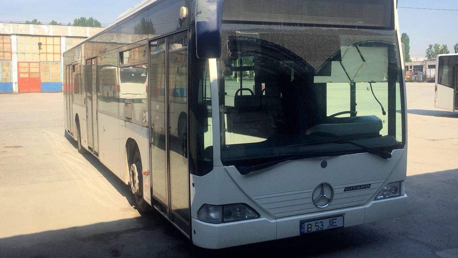 (foto) Autobuzele Mercedes care vor ajunge de la Bucureşti la Chişinău au o vechime de cel puţin 12 ani