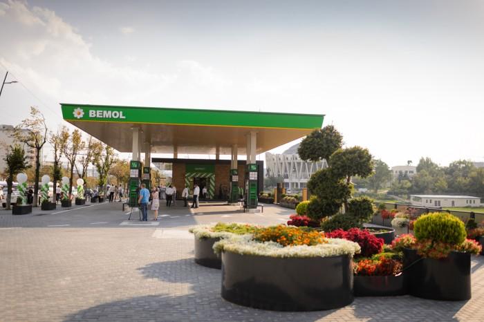 (foto) BEMOL a inaugurat o nouă benzinărie. Aici totul e ALTFEL