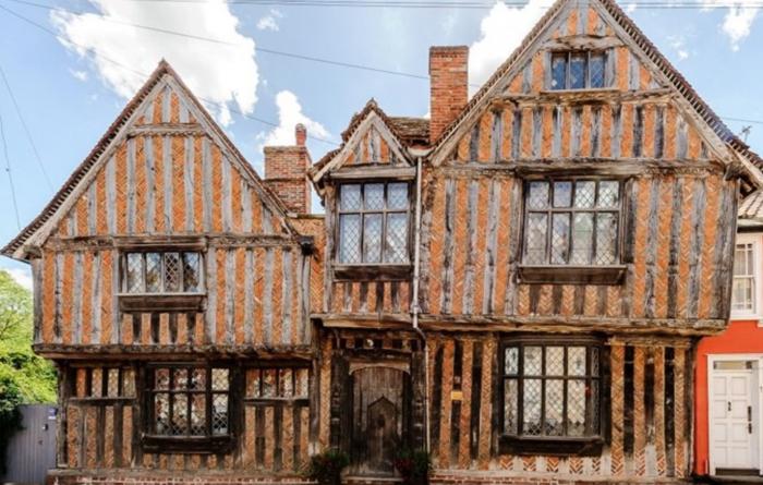 (foto) Casa în care a copilărit personajul Harry Potter este de vânzare