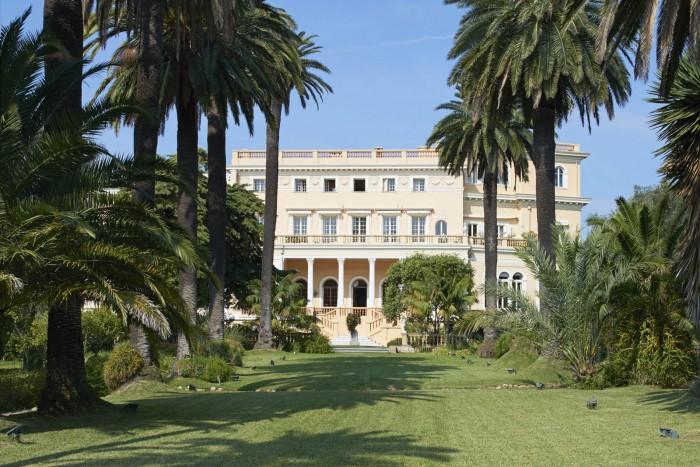 (foto) Cea mai scumpă casă din lume este de vânzare: A fost odată proprietatea Regelui Leopold II al Belgiei