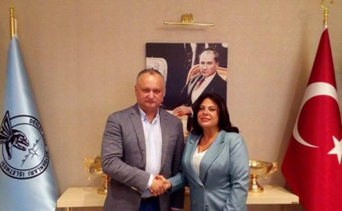 (foto) Dodon schimbă macazul. Șeful statului susține că președintele turc, Recep Tayyip Erdogan, i-ar fi organizat vacanța