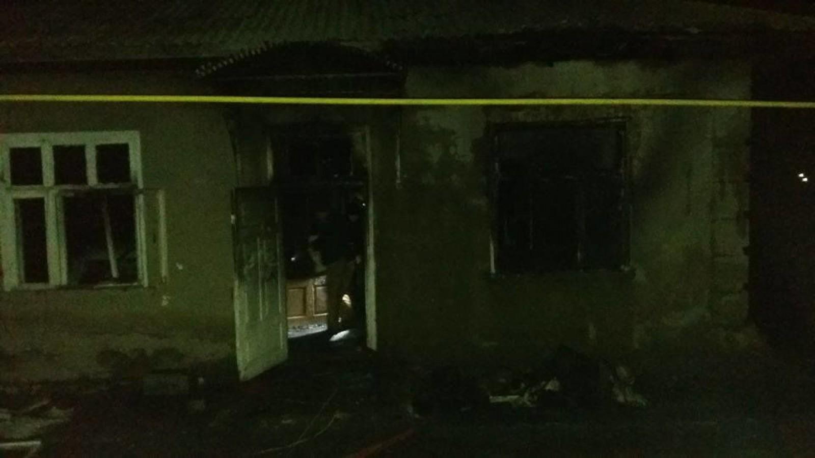 (foto) Două minore au ars de vii în urma unui incendiu, produs în raionul Rîșcani