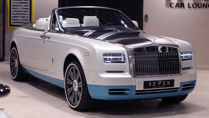 (foto) E nou şi frumos. Se caută un stăpân pentru ultimul Rolls-Royce Phantom VII Drophead Coupe