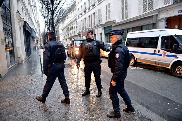 (foto) Explozie la Paris în faţa biroului ataşatului militar iordanian