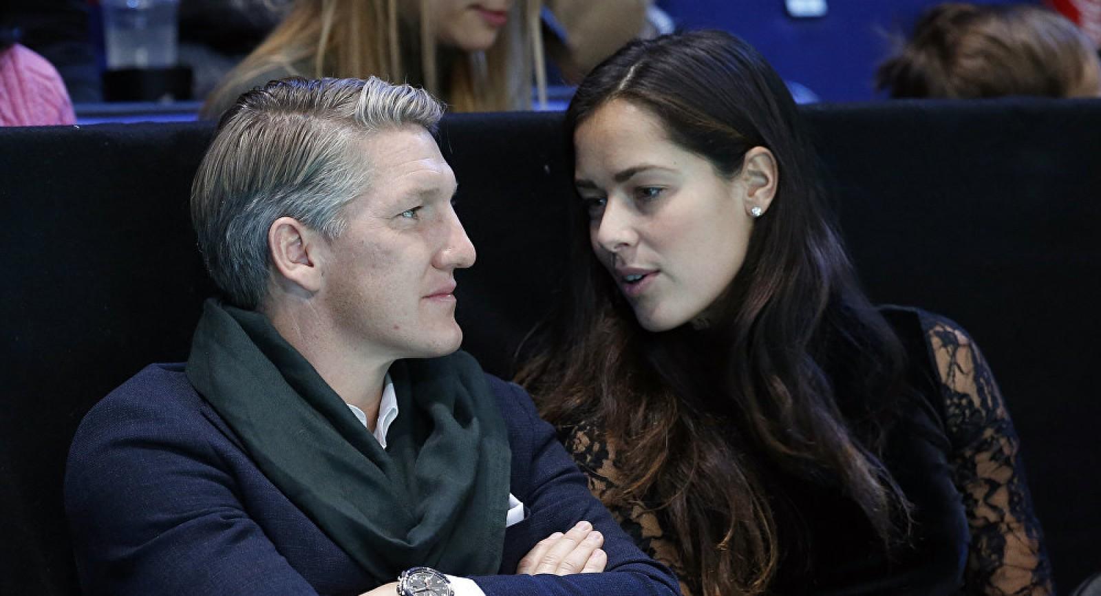 (foto) Fosta tenismenă sârbă Ana Ivanovic și fotbalistul german Bastian Schweinsteiger au devenit părinți