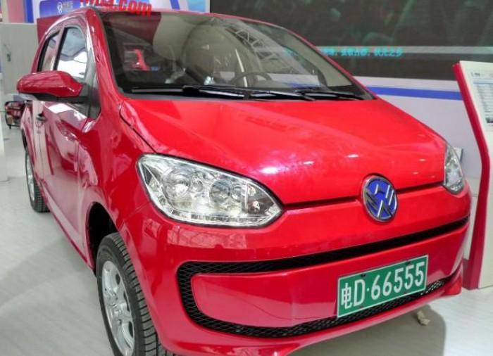 (foto) Ingeniozitate chineză. Iată cum a fost copiat designul unui Mercedes-Benz şi VW