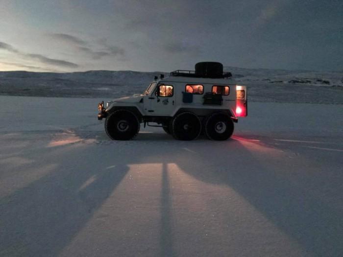 (foto) Ionel Istrati povestește despre noul videoclip, filmat în condiții extreme: Frigul făcea să înghețe și tehnica
