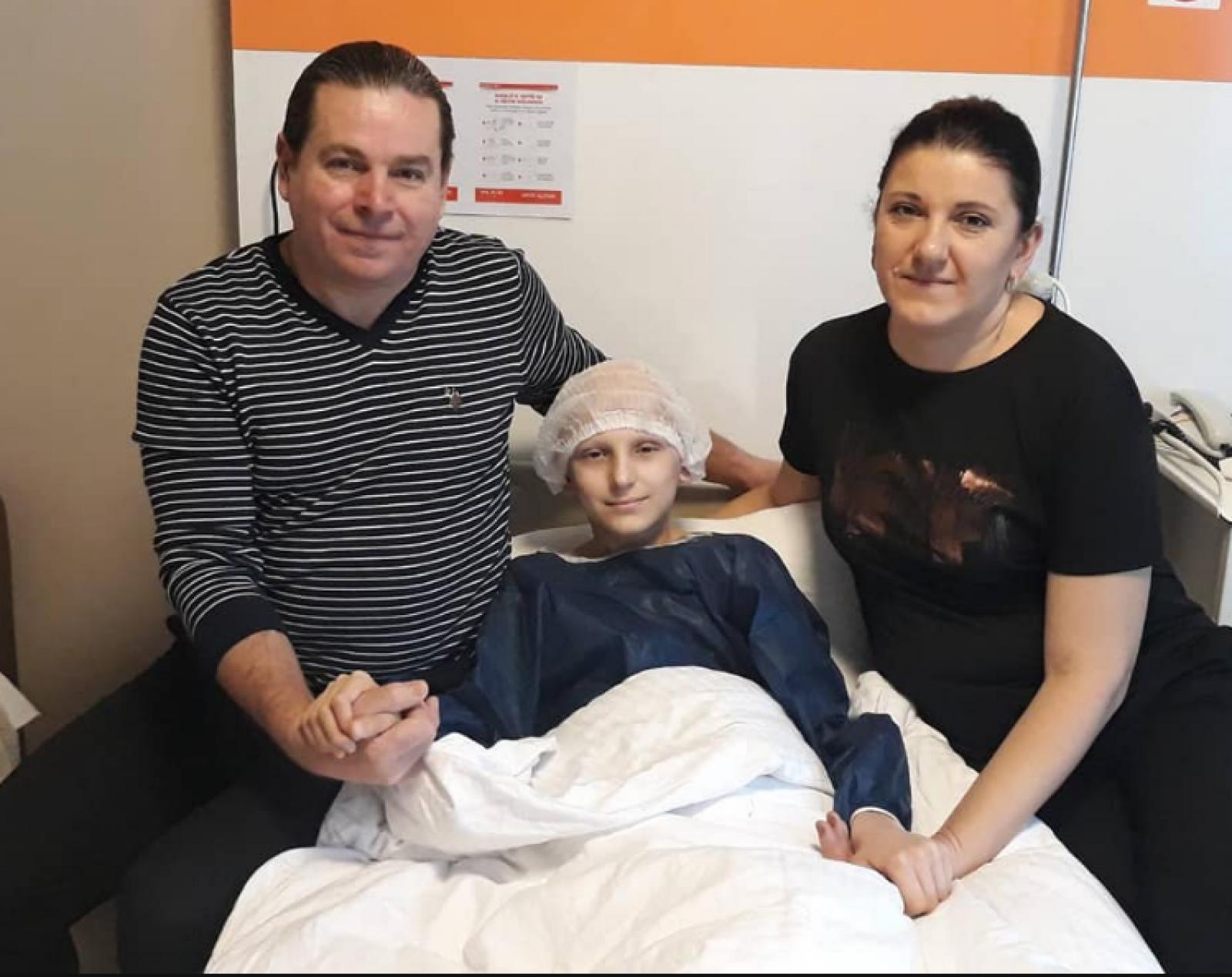 (foto) Minunea s-a întâmplat: Vasilică Gonceari a învins tumoarea. Băiatul a fost operat cu succes la o clinică din Turcia