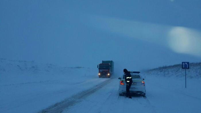 (foto) Ninge puternic în Moldova. Deocamdată niciun traseu nu este blocat