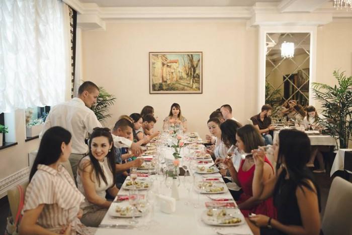 """(foto) O nouă seară în nuanțe de rosé  în campania """"Wine Friendly"""": Cinci vinuri perfect selectate au fost degustate la Casa della Reggenza"""