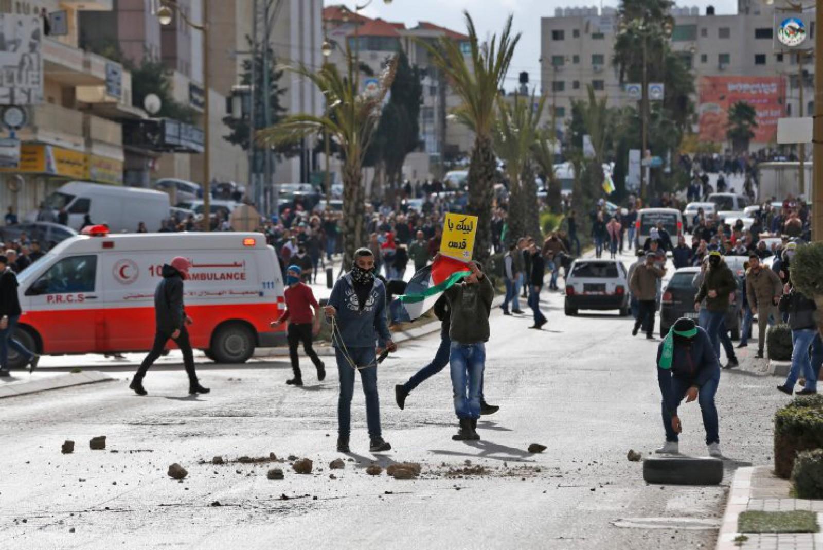 (foto) Proteste printre palestinieni, după declarația lui Trump de a recunoaște Ierusalimul drept capitala Israelului