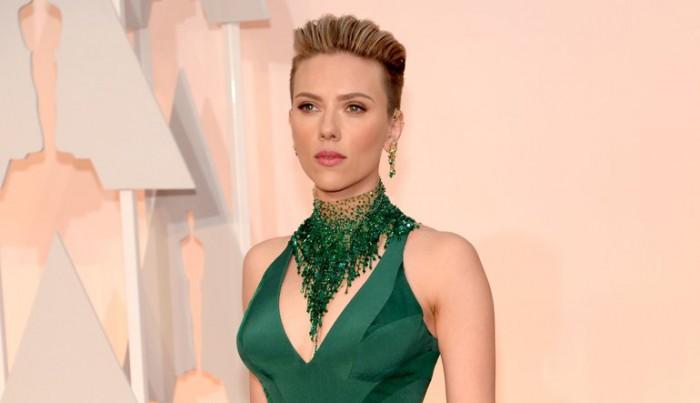 (foto) Scarlett Johansson e din nou îndrăgostită. Cine i-a furat inima actriței