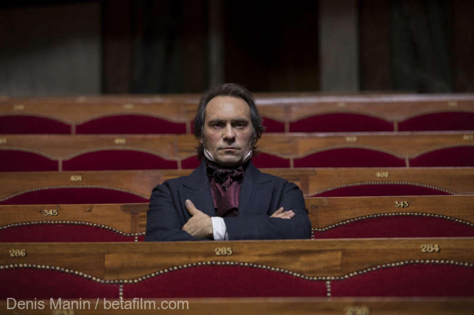 (foto) Victor Hugo, erou şi amant, protagonistul unor producţii TV ce vor fi lansate în 2018