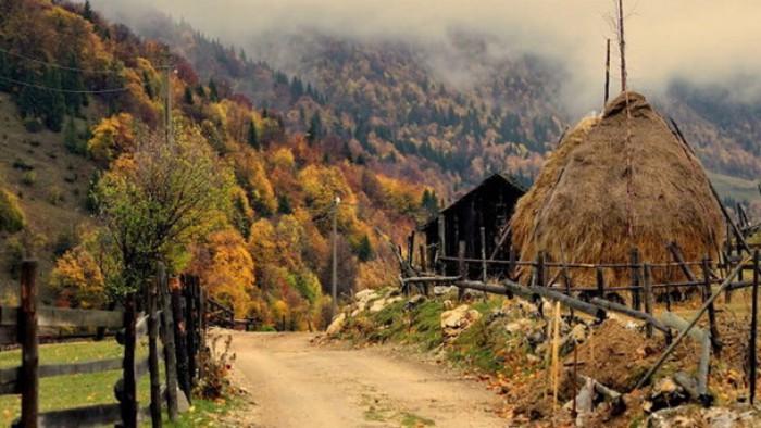 (foto/video) Cinci drumuri cu peisaje desăvârșite din România pe care poţi evada cu maşina