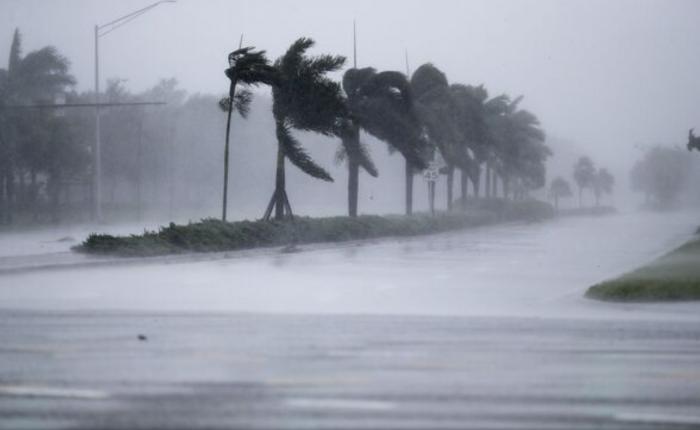 (foto/video) Stare de catastrofă: Uraganul Irma a făcut primele victime în Florida