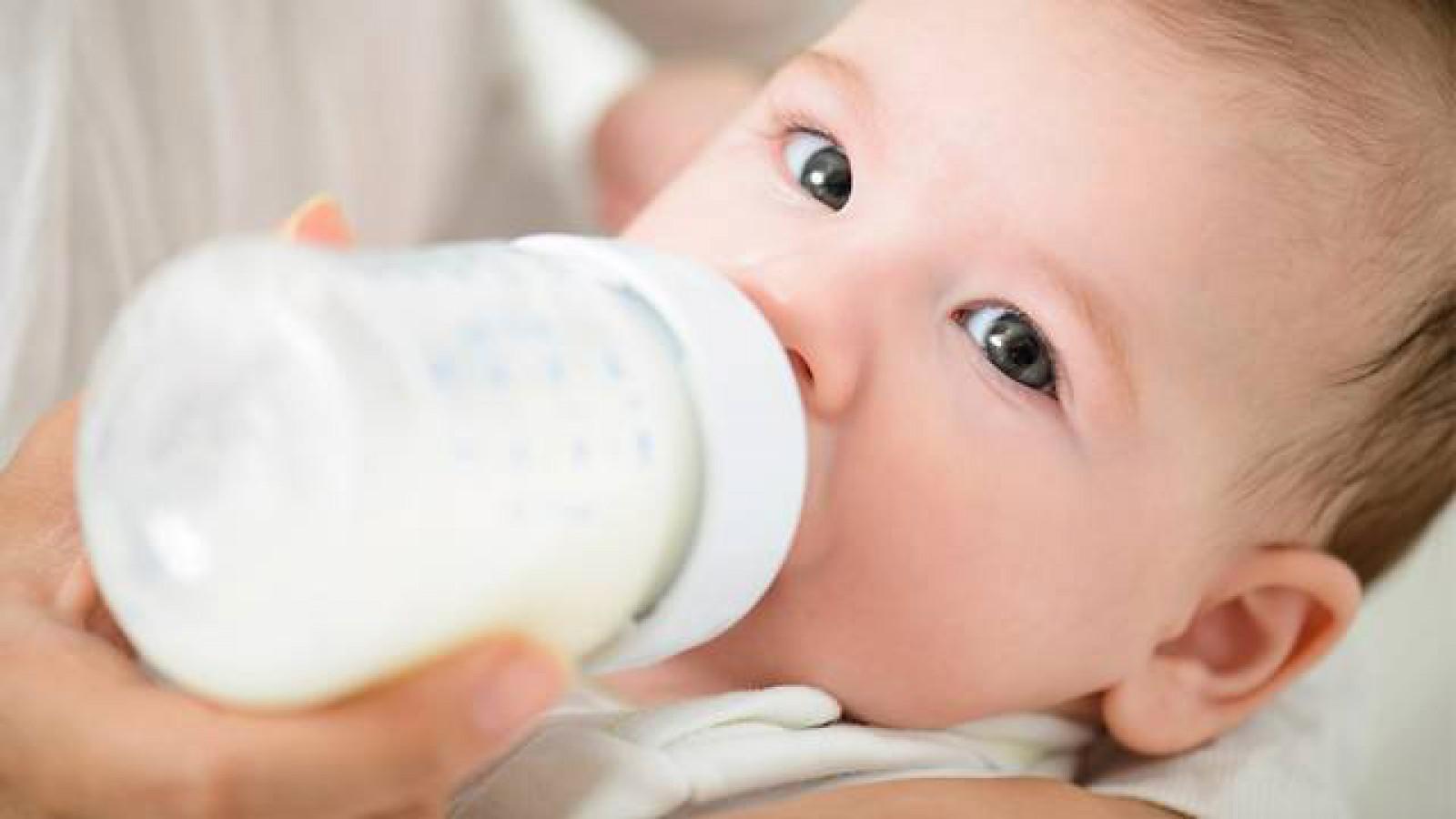Franța. Lapte praf, contaminat cu salmonella: Vor fi retrase 12 milioane de cutii de pe piață