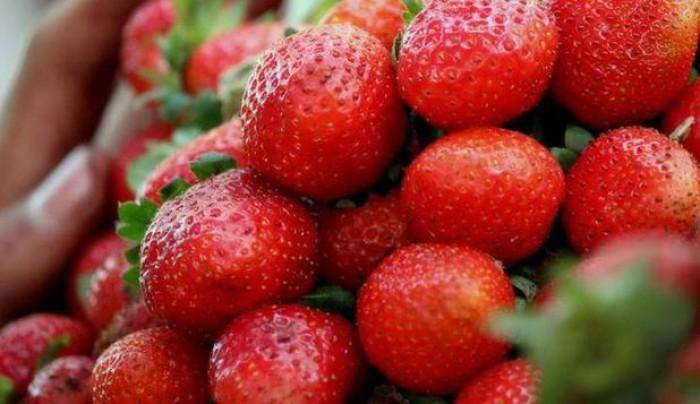 Fructele şi legumele cu cele mai multe pesticide