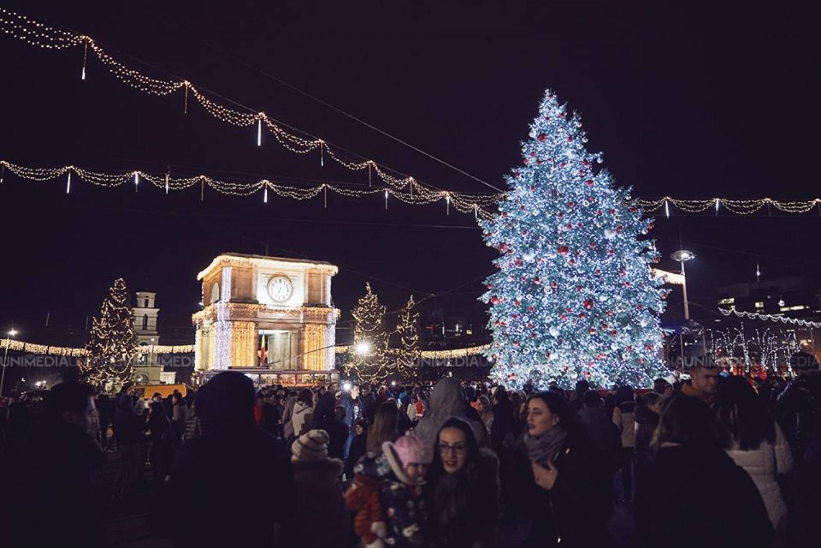 (galerie foto) Feeria iernii în capitală. Chișinăul a îmbrăcat straie de sărbătoare