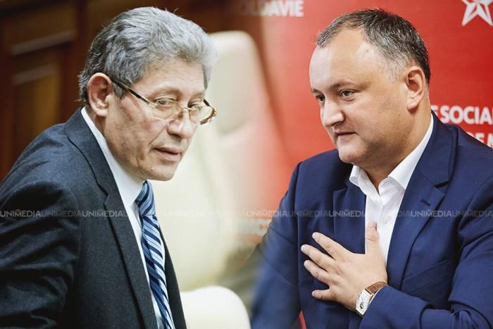 Ghimpu către Dodon: Tu ești Iuda pentru că vinzi țara. Liderul PSRM: În Parlament sunt prea mulți indivizi certați cu propria minte