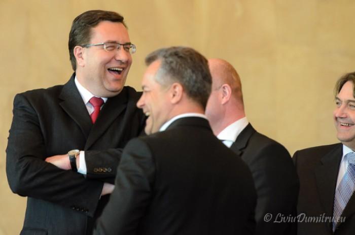 """Ghimpu: """"Sabia ridicată de Filat asupra lui Plahotniuc acum este în mâinile PD"""""""