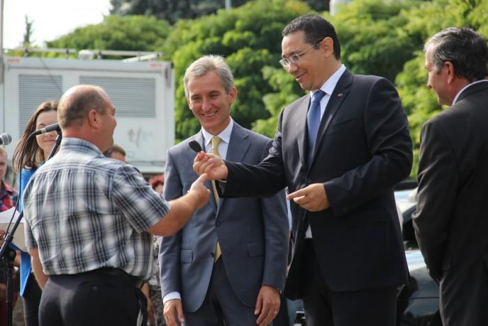 Guvernul României a donat 15 automobile instituţiilor publice din Republica Moldova