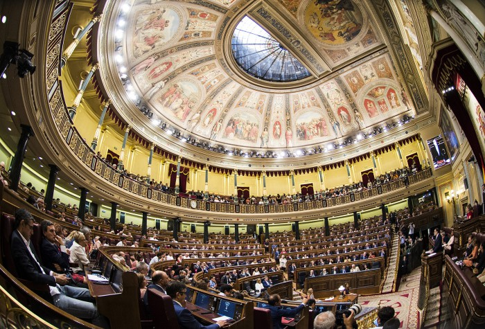 Guvernul spaniol dorește alegeri în Catalonia pentru a pune capăt crizei din regiune