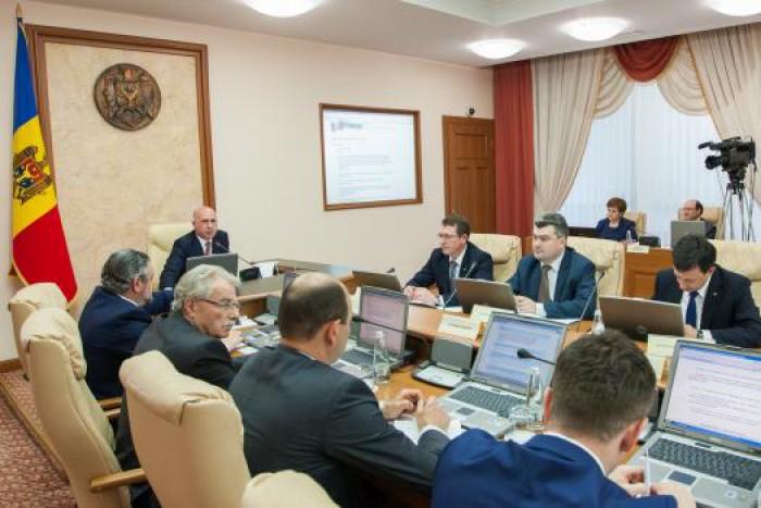 Guvernul va achiziţiona 500 de bilete la taberele din Moldova pentru mai mulți elevi din Ucraina și România