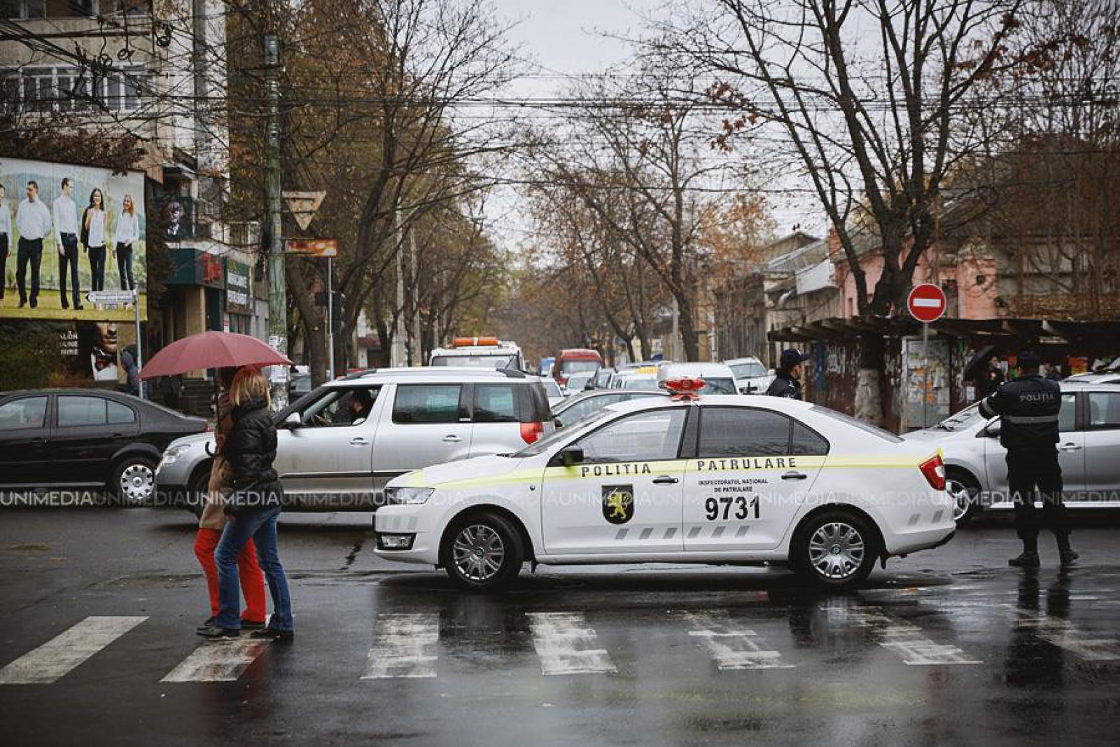 InfoTrafic: Din cauza unui incendiu de pe str. Testemițeanu, circulația este sistată pe o porțiune de drum