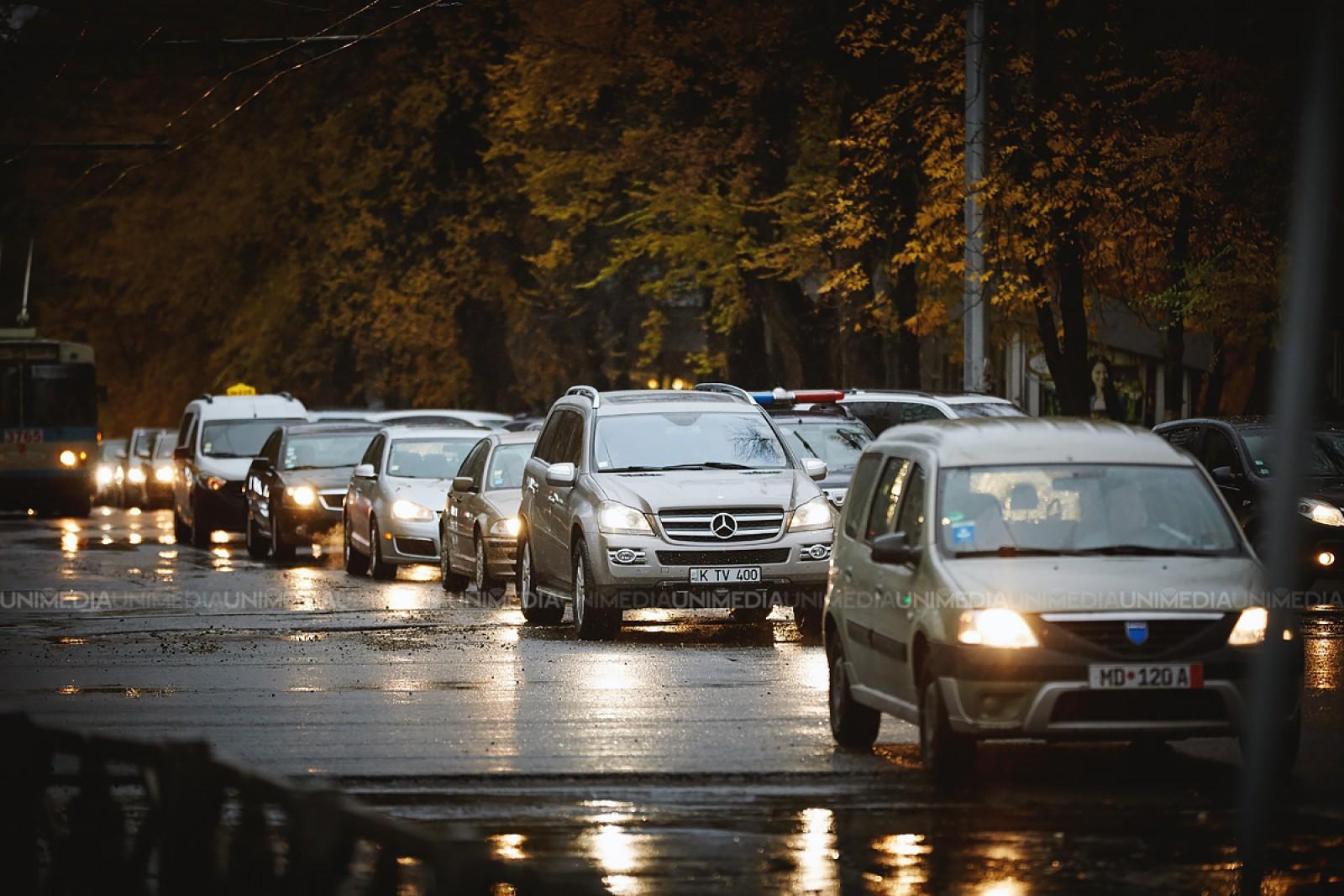 InfoTrafic: Nici un accident la această oră, dar se circulă cu flux majorat pe unele străzi din capitală