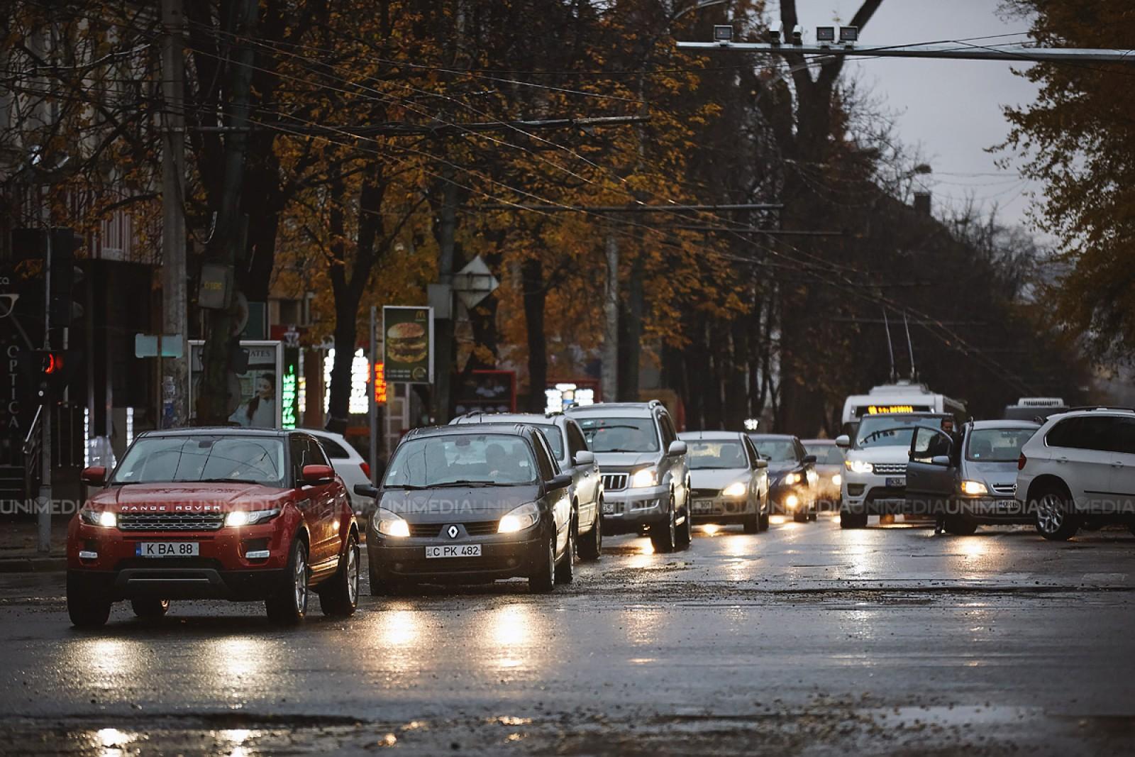 InfoTrafic: Străzile cu flux majorat de mașini și echipaje mobile de tip Radar, la această oră