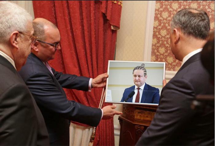 (galerie foto) Investigație marca #altfel. Ce cadou a primit Dodon de la oficialii ruși