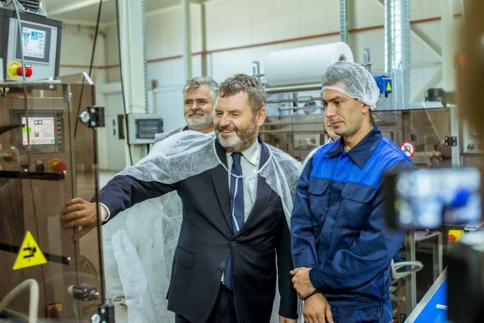 """Investiții noi în cel mai dulce business din Moldova. Compania """"Moldova-Zahar"""" SRL continuă să investească în fabrica de zahăr de la Cupcini"""