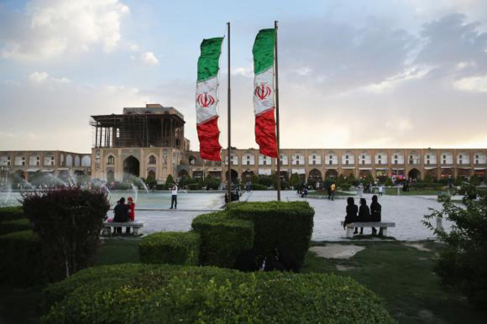 """Iranul a interzis predarea limbii engleze în şcolile primare, considerată drept o """"invazie culturală"""""""