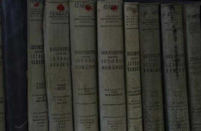 Istoricii și profesorii, despre inițiativa lui Dodon: Studierea istoriei Moldovei este o aberație!