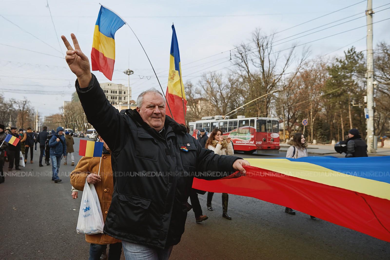 """Istoricul Vasile Bahnaru: """"Unirea Basarabiei cu România se va face doar cu sprijinul străzii"""""""