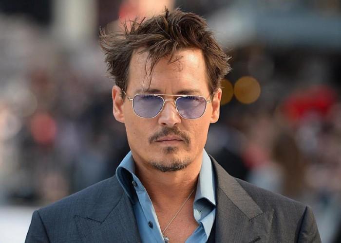 Johnny Depp spune că i s-au furat 30 de milioane de dolari