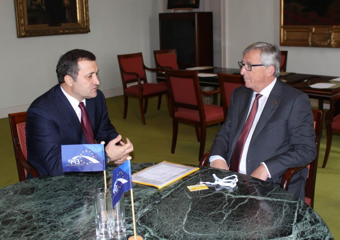 Juncker: Presiunile externe asupra Republicii Moldova sunt inacceptabile