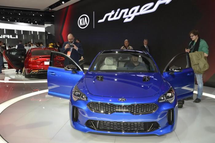 Kia Stinger cucereşte rapid publicul. Vine la primăvară la Geneva şi cu un motor diesel