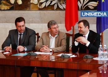 Liderii AIE: Vom negocia și cu PCRM! Ghimpu nu o vrea președinte pe Greceanîi