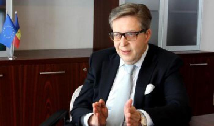 (Video) Ziua Europei la Chișinău. Ambasadorul EU în Republica Moldova, Pirkka Tapiola, a susținut o conferință de presă