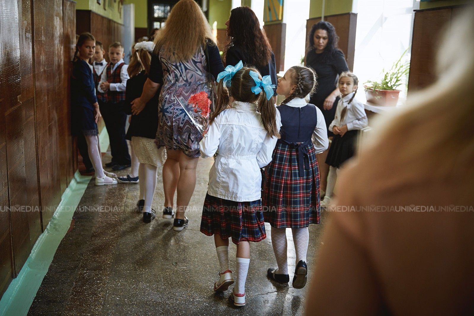 (video) Studiu MECC: Aproximativ 300 de mii de moldoveni susțin introducerea uniformei școlare în instituțiile de învățământ