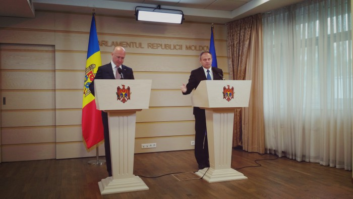(video) Declarații susținute de Andrian Candu și Pavel Filip după ședința comună Parlament-Guvern