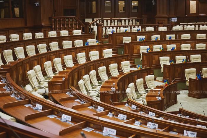 (video/update) Ședința Parlamentului: Toate proiectele întoarse de Dodon au fost revotate