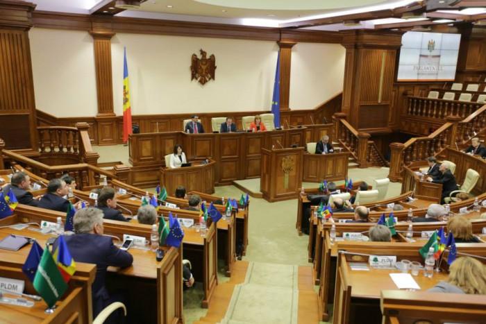 LIVE: Deputații se reunesc pentru a desemna componența Comisiilor permanente ale Parlamentului