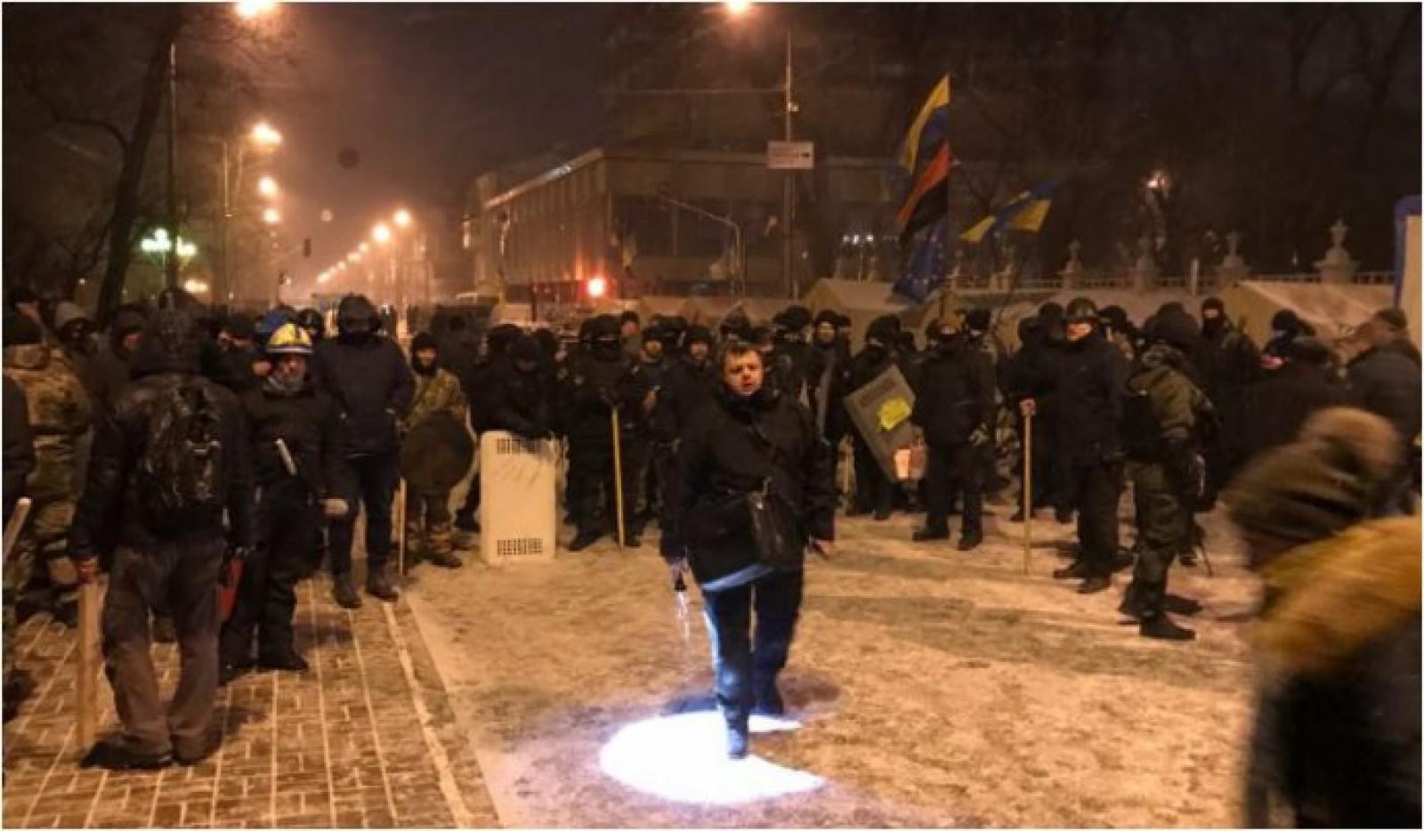 (video) Susținătorii lui Saakașvili au improvizat un orășel de corturi în fața Parlamenutlui: Politicianul spune că îi va primi chiar acolo pe anchetatori