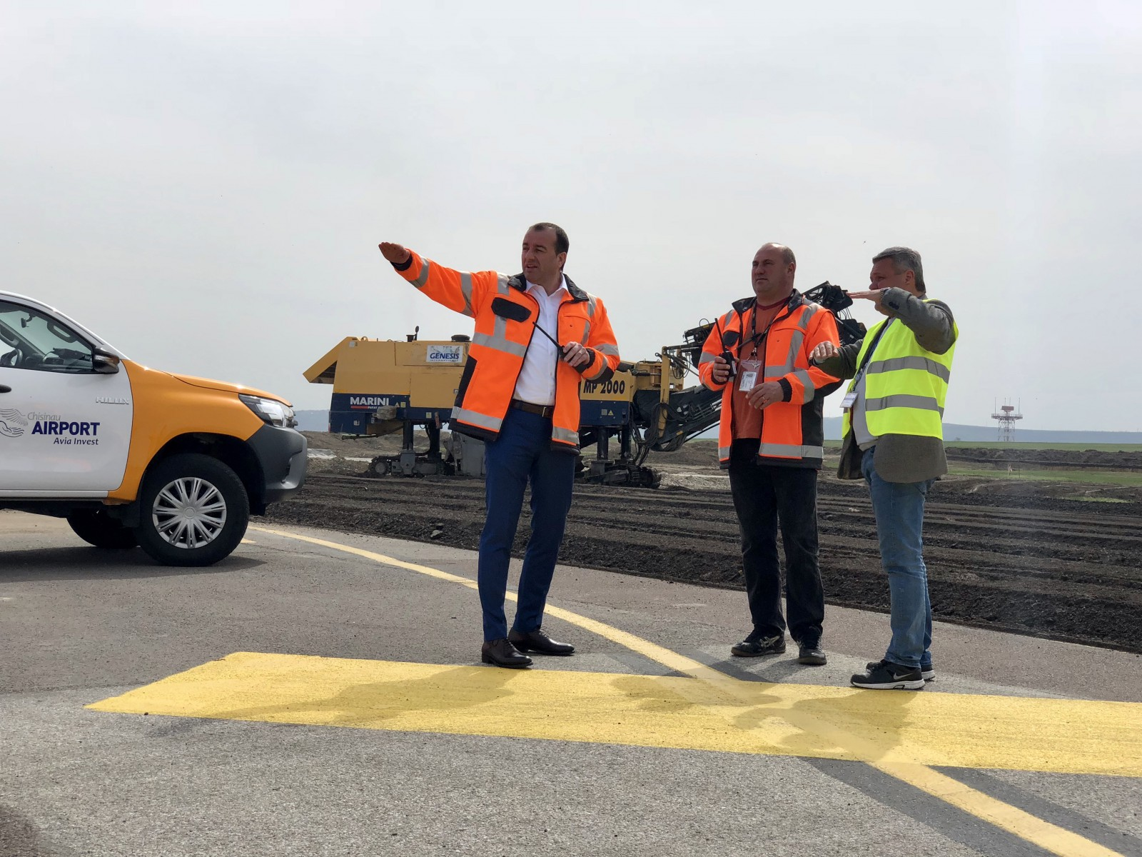 Lucrările de reconstrucţie la cea de-a doua pistă a Aeroportului Chişinău în continuă desfăşurare